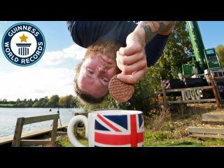 Британец Сайон Берри попал в Книгу рекордов Гиннесса за необычный прыжок с банджо-джампинга