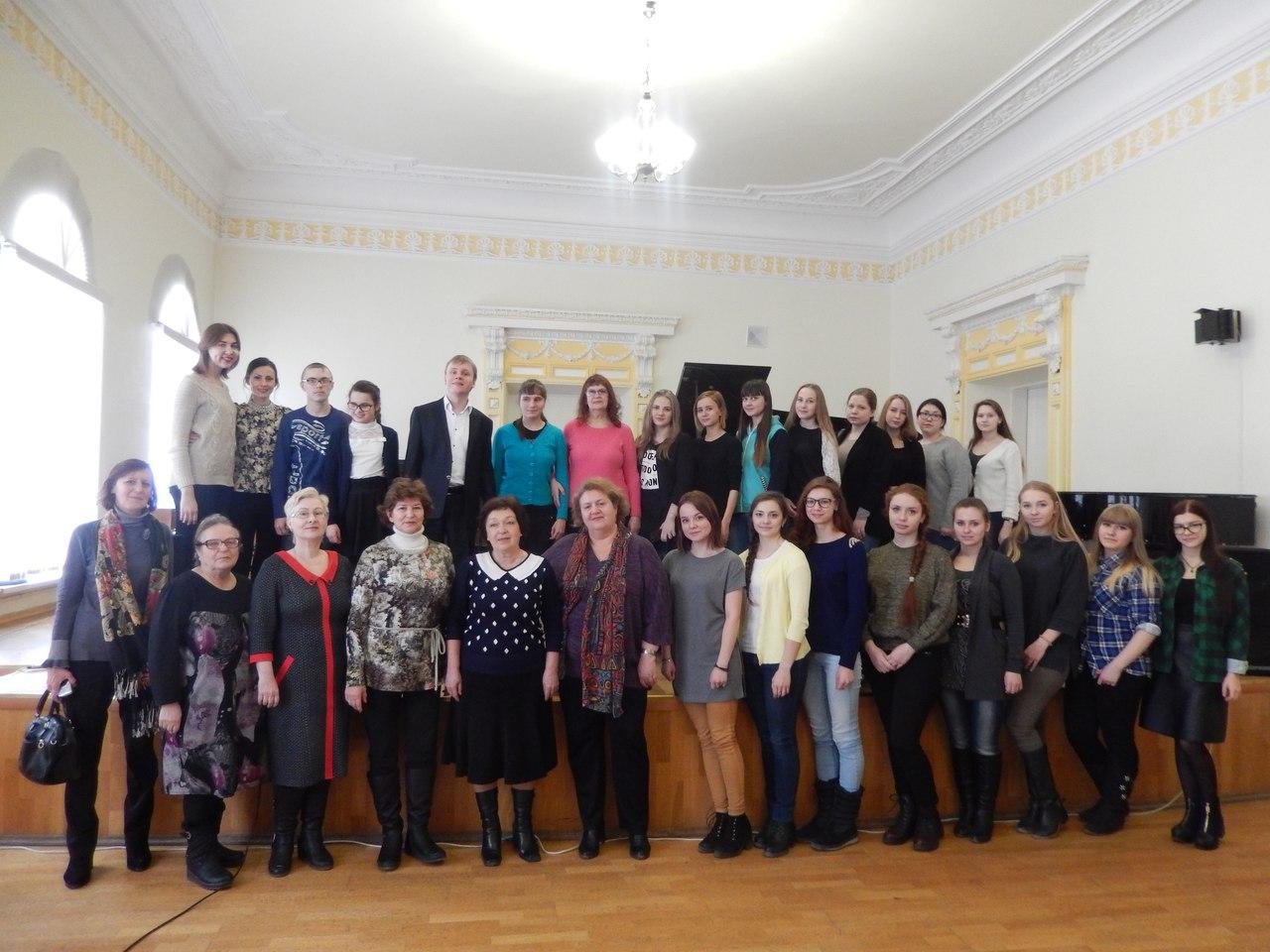 Пианист Олег Аккуратов встретился с одаренными детьми и творческой молодежью Ульяновска