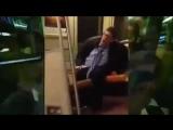 Пьяный мужик исполняет Get Low (VHS Video)