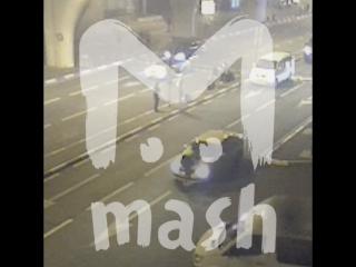 Таксист прокатил на капоте сотрудника аэропорта «Внуково»