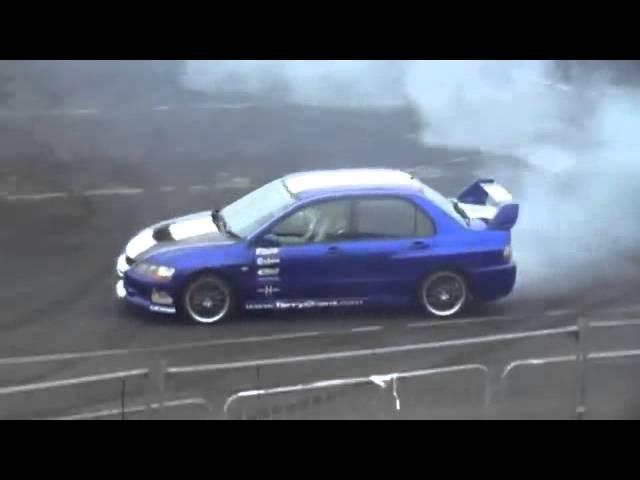 Mitsubishi Lancer Evo IX MR Drifting