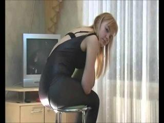 2 Sexy Girls Amelia + Simona Pantyhose Farts