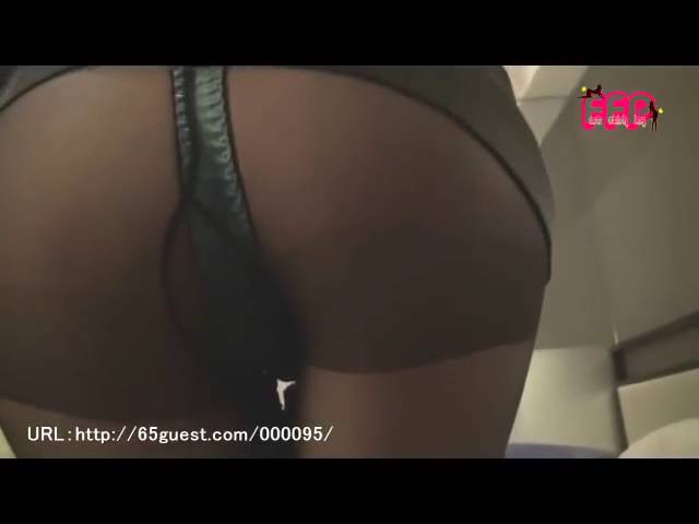 Japanese Girl Farting 女のオナラ