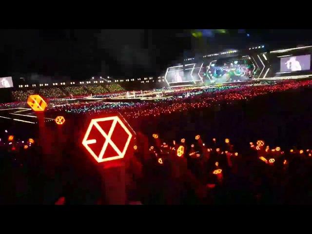 Biển lightstick tuyệt đẹp của EXO-L ở Jamsil ♥ 170527 EXOrDIUMDotinSeoul