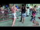 Чемпион по кикбоксингу отправил в нокаут тайца