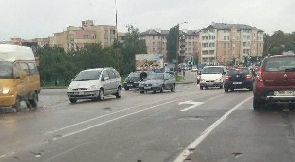 """Из-за многочисленных ДТП в городе вечером наблюдались автомобильные """"пробки"""""""
