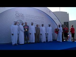 Церемония награждения Сергея Попка, победителя 2-го этапа велогонки Sharjah Tour