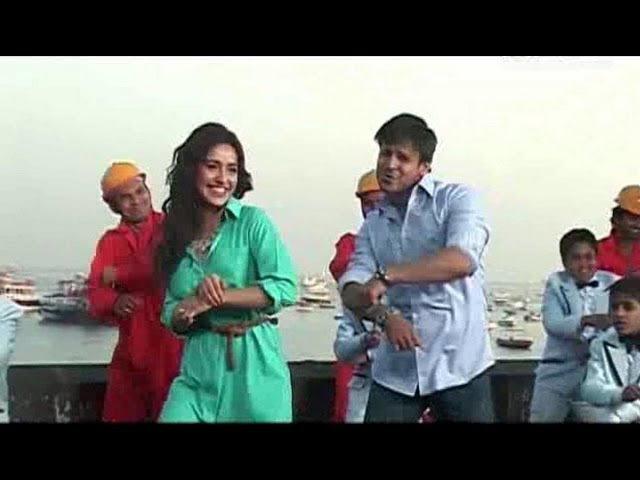 Vivek Oberoi And Neha Sharma On Sets Of 'Jayanta Bhai Ki Luv Story'