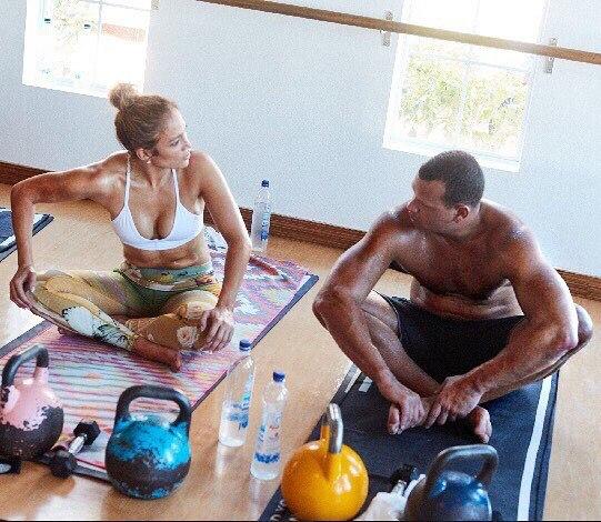 Дженнифер Лопес показала романтическую тренировку с Алексом Родригесом