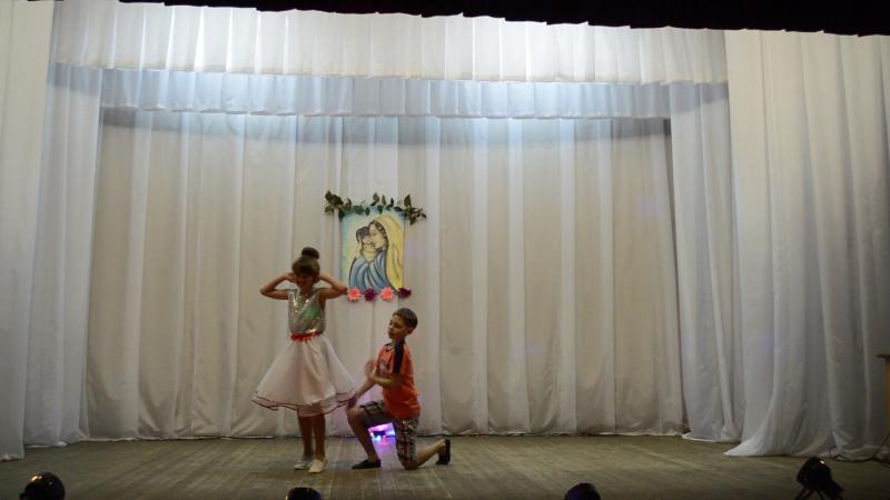 танец Королева красоты исп. Ольга Чернявская и Александр Бяшимов.