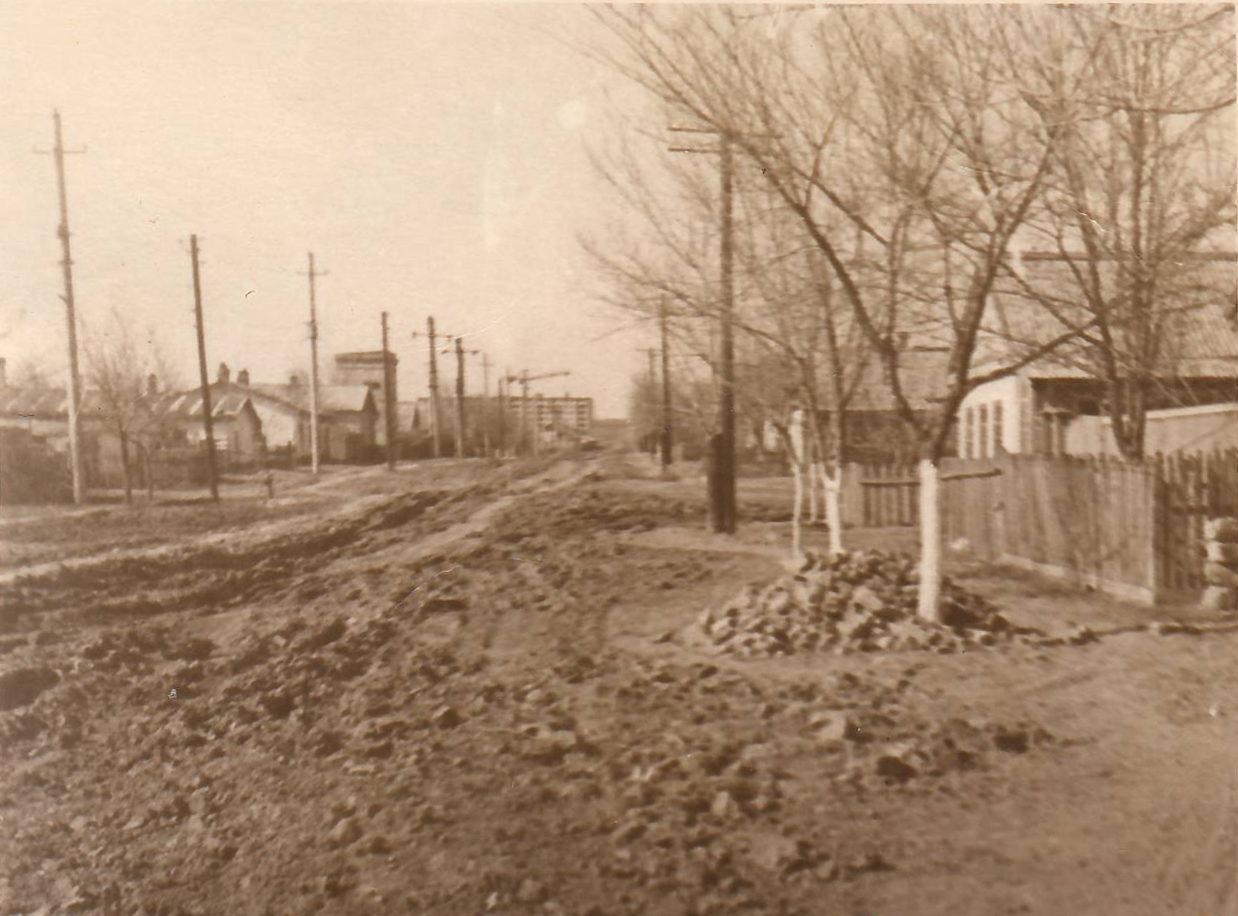Улица Осипенко в сторону 3 мкр. 1968 год
