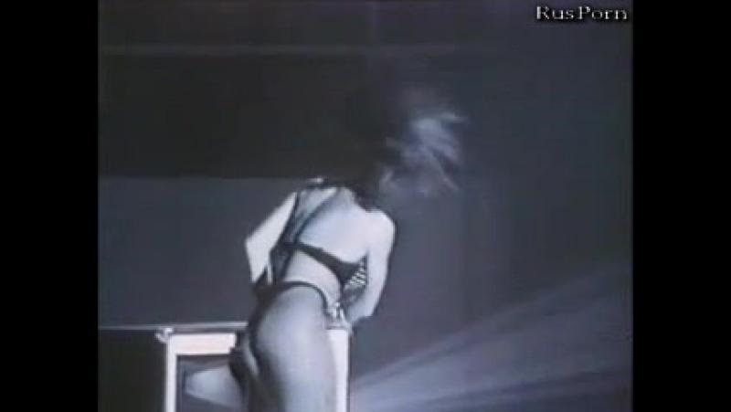 Концертный клип рок группы Kiss на песню Take It Off (версия без цензуры)
