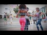 Salsa cubana (casino) con las dos chicas en La Habana, Cuba