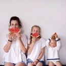 Когда мама с дочкой наряжаются в одинаковые образы – это бесконечно мило…