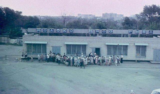 Очередь за продуктами, 1-й мкр. 1983 год