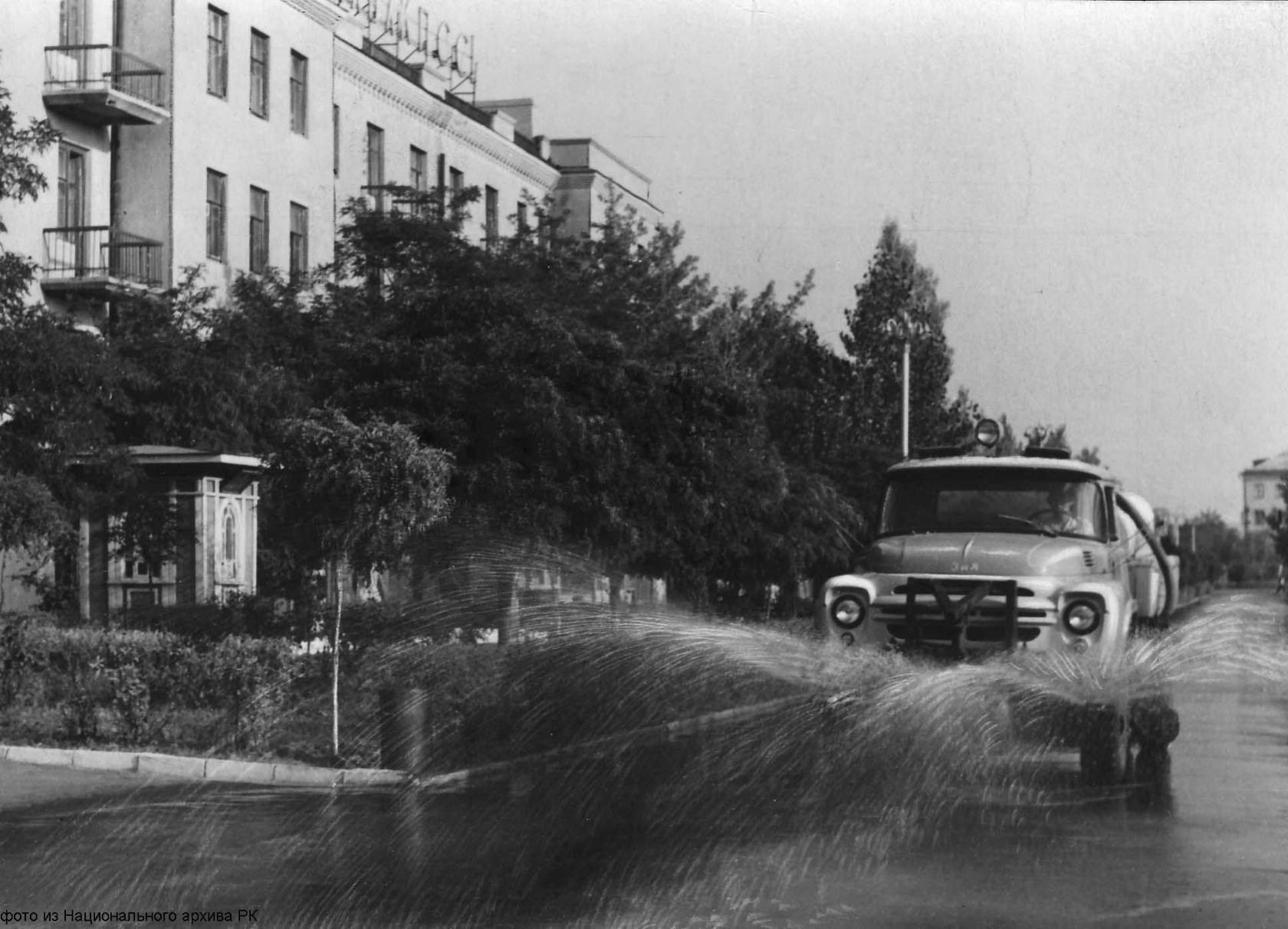 Улица Комсомольская (Красный дом). 1968 год