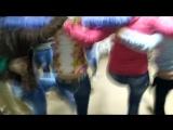 Девушки танцуют канкан (звук правда не очень))))