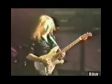 Yngwie Malmsteen 18 years old - playing on stage