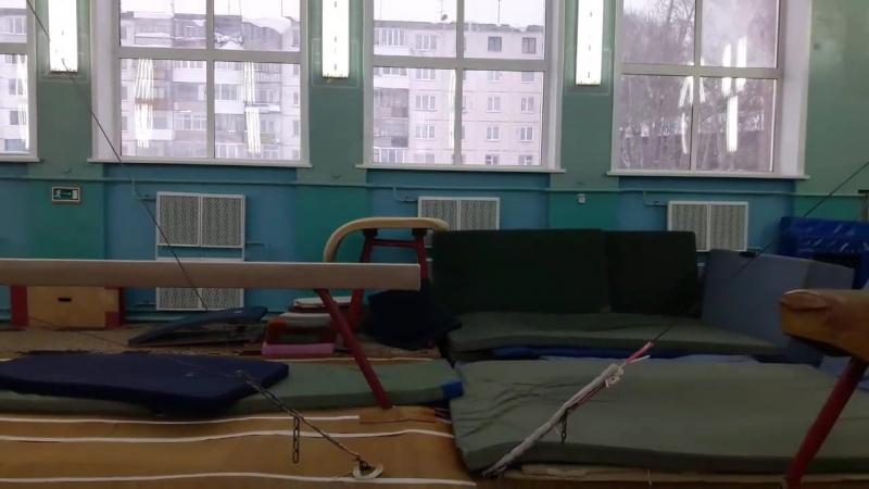 Аня, полтора салюта, прыжок, 9 лет