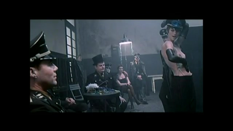 Ночной портье / Il Portiere Di Notte (1974) танец Саломеи