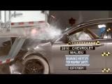 Необычный краш-тест легковой автомобиль против фуры
