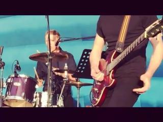 Группа Солнце в полночь-Ай Фил Гуд (James Brown I feel Good! cover)