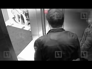 Напавший и избивший школьницу в лифте в Петербурге отпустил её и приказал бежать