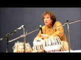Ustad Zakir Hussain playing some mind blowing (2 + 23) postfixed extempore