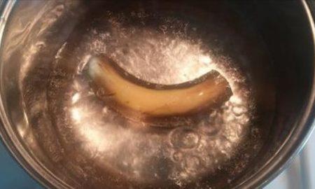 Она вскипятила банан и выпила эту воду перед сном. На утро результат шокировал! Попробуйте и Вы!