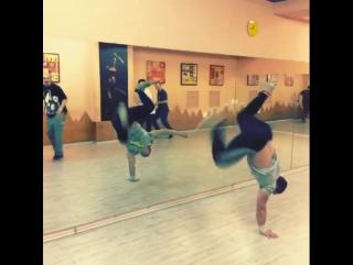 Ночные репетиции - part 6 - акробатика и локинг от артистов театра танца Exordium