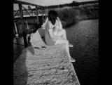 Ушла из жизни очень рано,И не найти больше покой,А сердцу больно, сердце в ранах,От расставания с тобой.Мы верим в то, что т