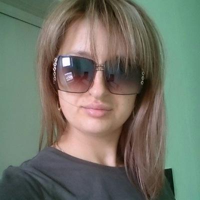 Елена Агаджанян