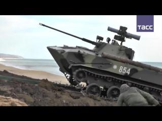 Учения ВДВ в Крыму_ десантирование из Ил-76, высадка морского десанта