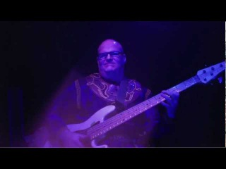 Affliction Sport Slap bass and SOLO from my Cirque show in Tokyo - Darrell Craig Harris