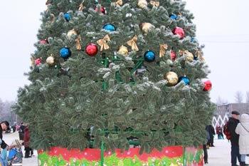 Украли украшения с главной елки