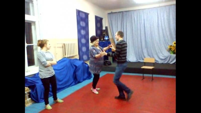 Репетиция миниатюры к творческому вечеру на тему 12 стульев Мадам Грицацуева и Остап завлекают зрителя в номер