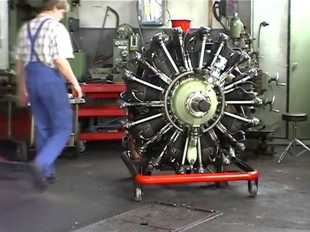 Запуск самолетных двигателей реактивного и радиального / Starting jet aircraft engines and radial