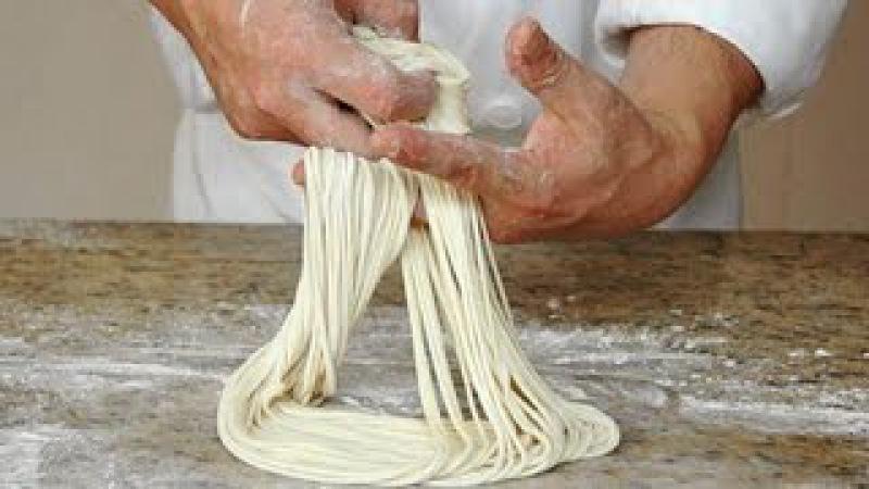 Как приготовить «тянутую» лапшу ручного приготовления (ламянь)!