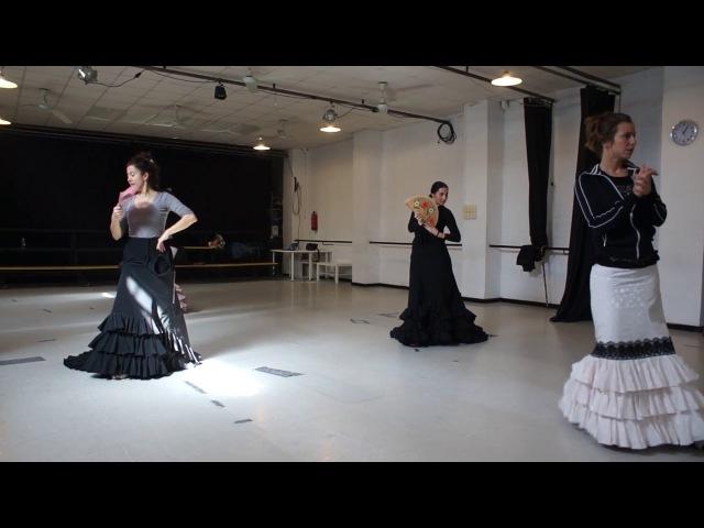 Curso Intensivo Begoña Arce en Escuela flamenco Puro Sevilla Guajiras Bata de Cola abanico