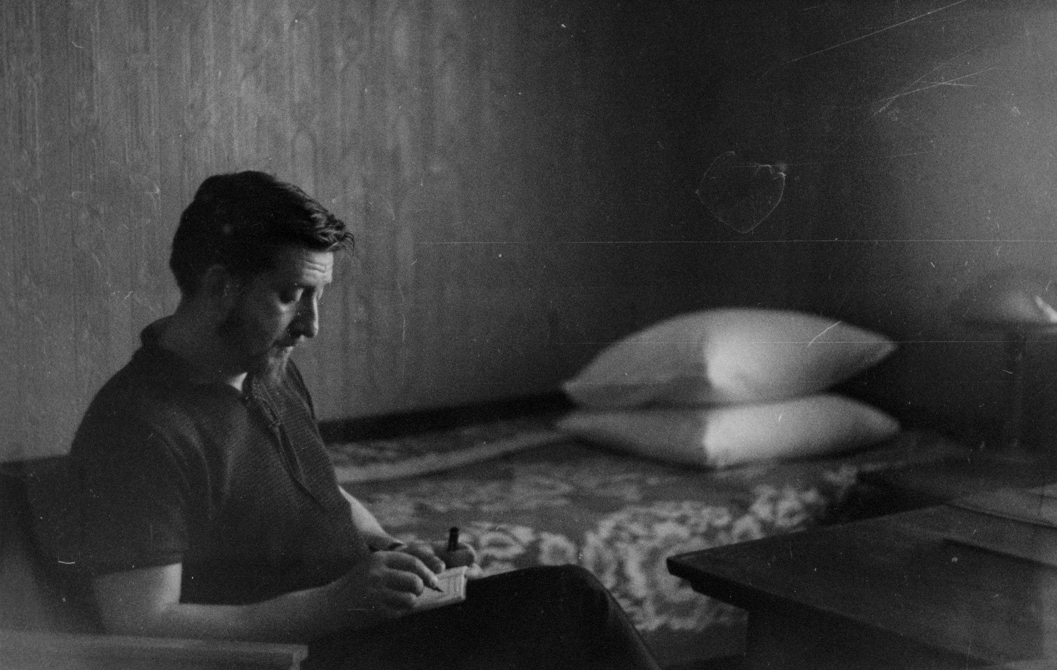 85 лет назад, 2 июня 1932 года, родился писатель и журналист Ярослав Голованов.