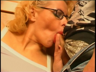 (guysformatures.com).russian.mature.women.having.sex.with.young.guys.04