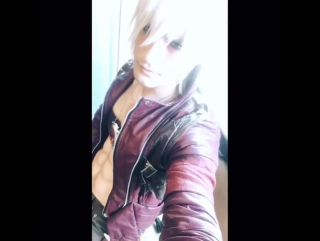 Leon Chiro cosplaying as Dante (from Instagram)