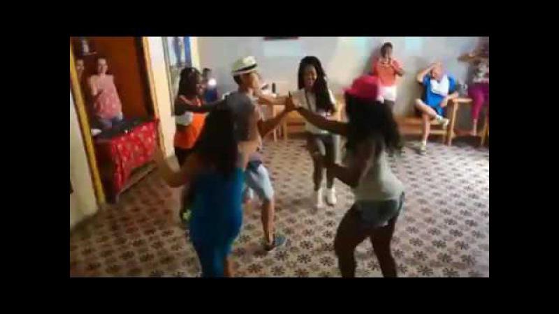 Carlos Rafael Gonzalez - Improvisation avec 4 danseuses - Casona del Son - La Habana - 082017