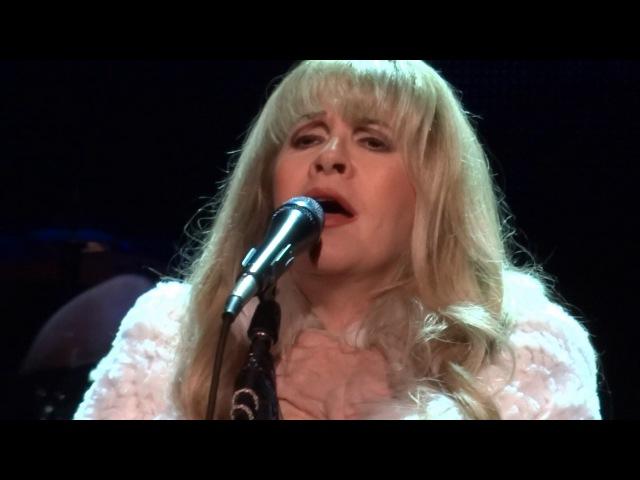 Stevie Nicks gets emotional dedicating Moonlight to Prince - 12-11-16