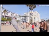 Дедушка наказывает качков на турнике. Спортивный прикол