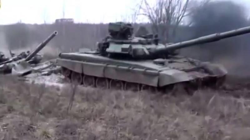 ТАНКИ ГРЯЗИ НЕ БОЯТСЯ ИЛИ Russian and American tanks in the mud. В поисках Золота