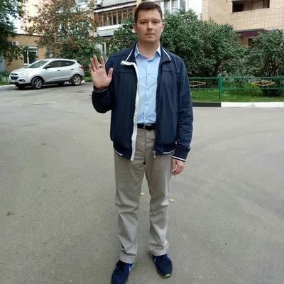 Павел Пухов