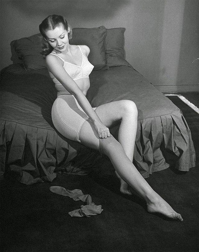 Hot vintage models enjoying hard cocks in hairy twats wearing sexy stockings  2254454