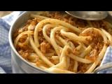 Итальянцы пробуют русские блюда с макаронами