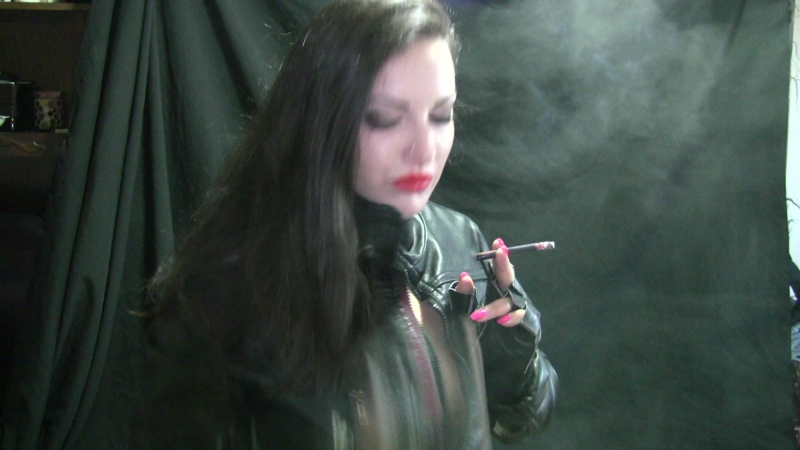 Alexxxya blackdevil wears red lipstick